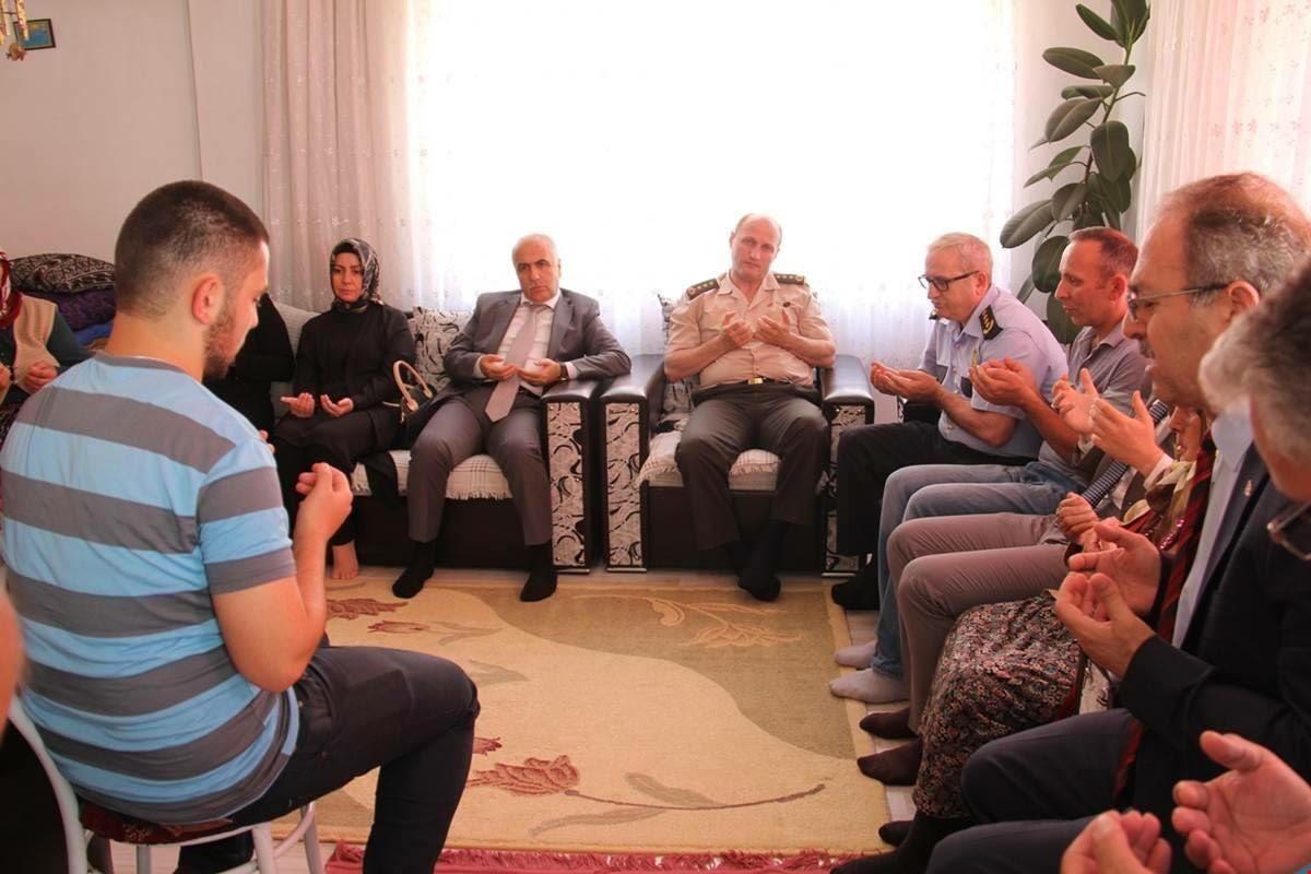 Şehit Tuncay Zengin'in Ailesine Taziye Ziyareti