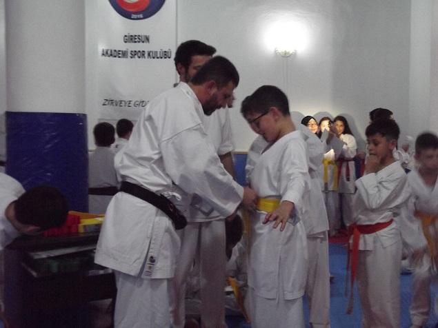 Akademi Spor Kulübü Karatecilerinin Kuşak
