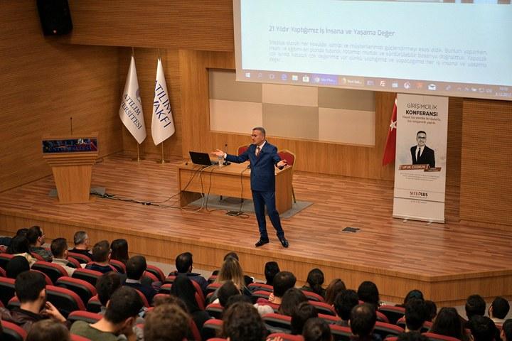 Atılım Üniversitesinde başarının sırrı konferansı düzenlendi