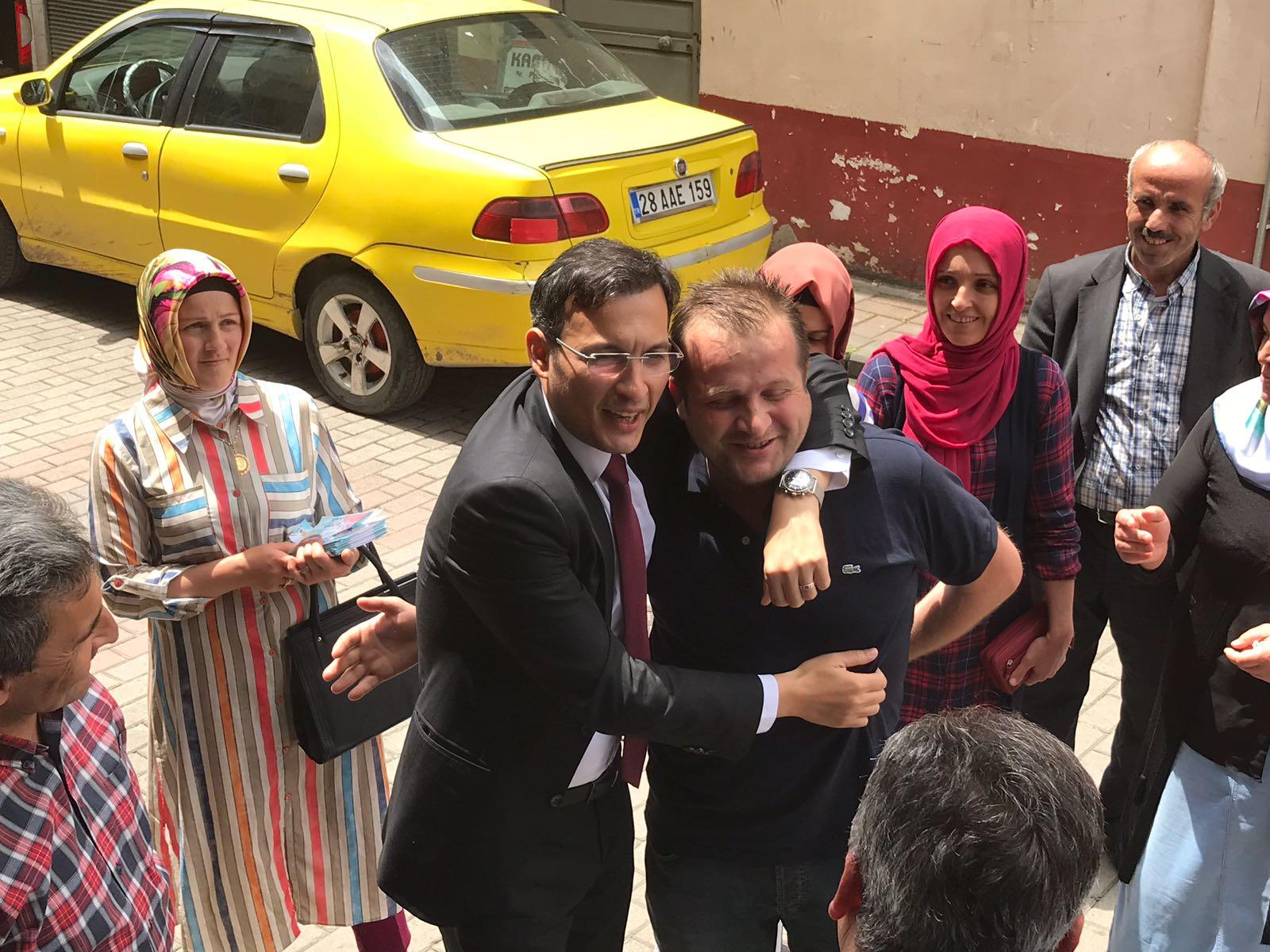 Demirkan Yağlıdere'de Vatandaşlarla Buluştu
