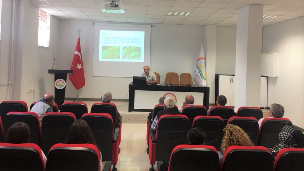 Örtüaltı Sebze Yetiştiriciliği Yapan Üreticilerimize Yönelik Eğitim Toplantısı Yapıldı