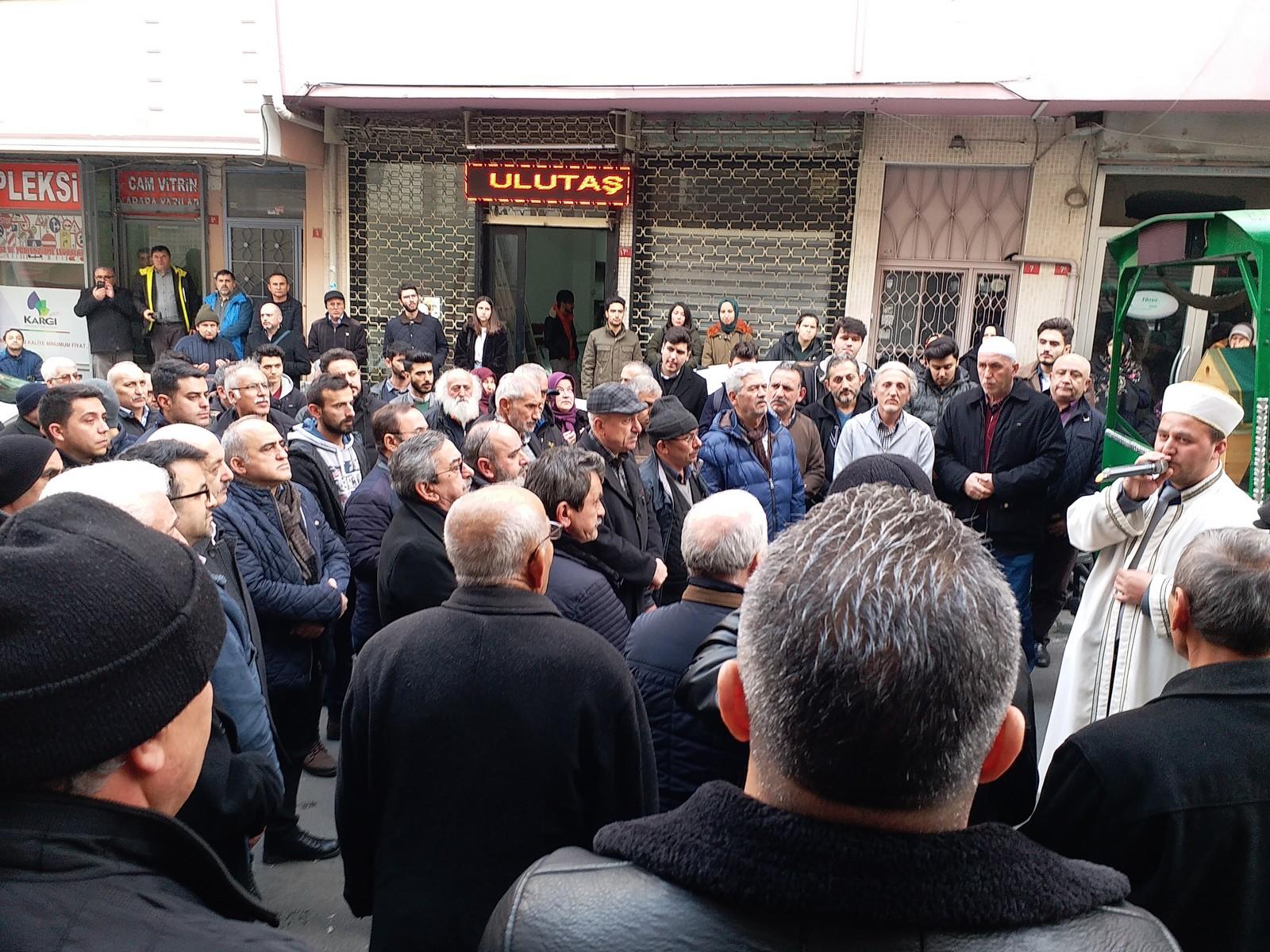 Mustafa Tekbaş Dualarla Uğurlandı