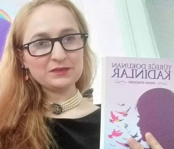 Elif Yavaş, Şiire Üstün Hizmet Ödülü kazandı