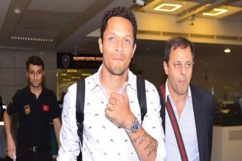 Beşiktaş Adriano ile