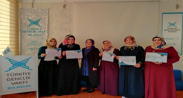 Hanımlara TÜGVA Aile Akademisi Katılım Belgeleri