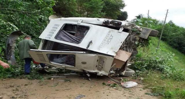 Giresunda minibüs dereye yuvarlandı: 6 ölü, 5