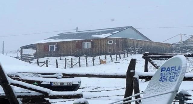 Yaylalara Tekrar Kar